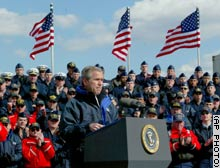 Hundreds of Coast Guard members listen as President Bush outlines progress in the war in Iraq.