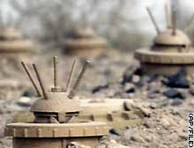 Iraq was heavily mined during war with Iran, and during first Gulf War, says Human Rights Watch.